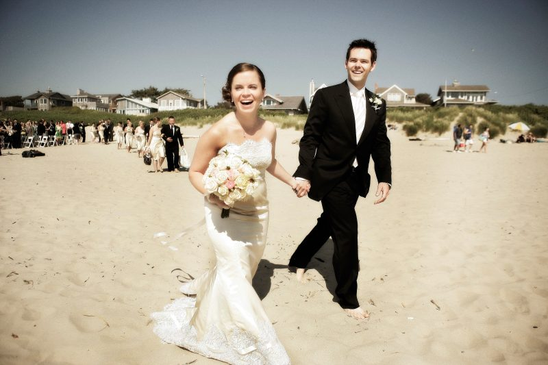 Surfsand bride and groom