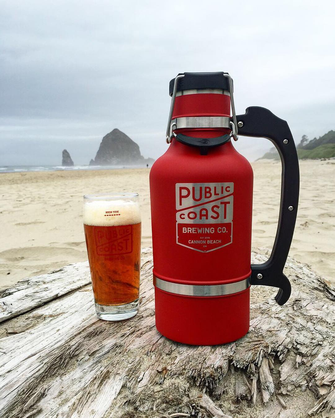 "We love your motto, @publiccoastbrewing. ""Beaches forever. Beer for everyone."" #PublicCoast #NWBeer #OregonBeer #DrinkLocal #BrewWithAView #CannonBeach #UpperLeftUSA"
